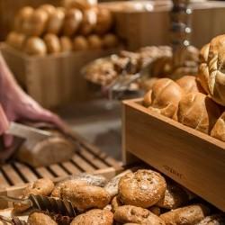 Semmerl, Vollkorn-Weckerl & ander Power-Spender Frisch, knusprig und regional sind alle Brot & Backwaren am täglichen Frühstücksbuffet im eva,VILLAGE Hotel in Saalbach