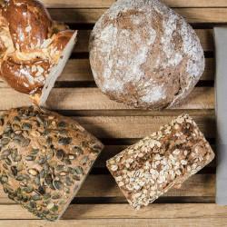 Regionales Brot- und Backwaren aus dem Pinzgau täglich frisch am Frühstücks-Buffet im Hotel eva,VILLAGE