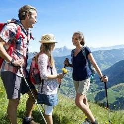 Familienurlaub in Saalbach eva,VILLAGE Hotel Saalbach liegt ideal als Ausgangspunkt für Wanderungen