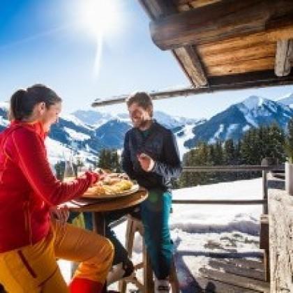 winterzauber und Hüttengaudi